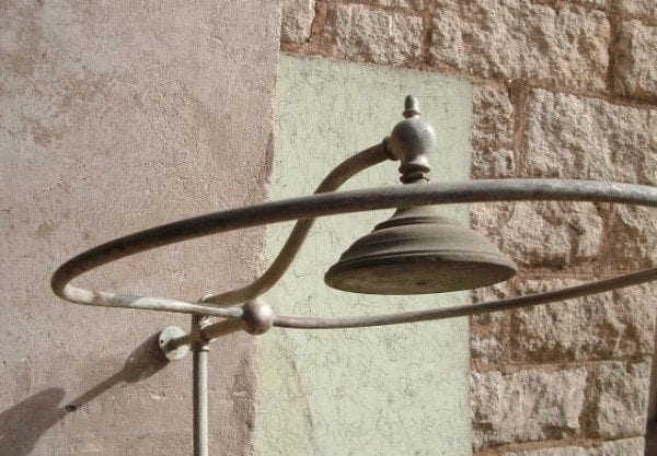 Good-Outdoor-Shower-Set-up-LooLooDesign-2014-0-sld047